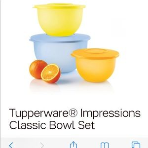 Tupperware bundle bowls and tumblers